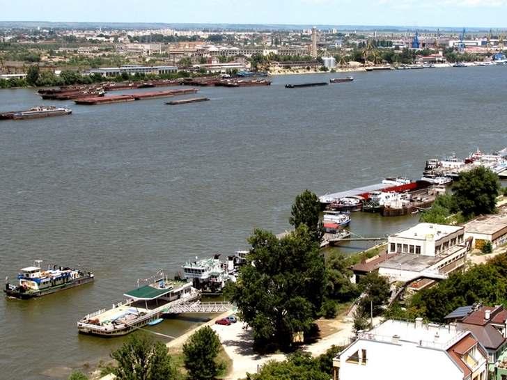 "Русе уеб камера панорама над града - площад ""Свобода"", пристанище, река Дунав, мост, ТВ кула ""Левента"" | Велиkо Инфо"